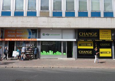 Corner GR - üzletportál reklám feliratozás